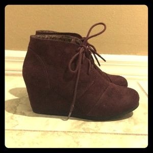 City Classified Maroon Lace-Up Ankle Boots